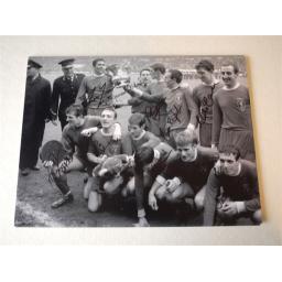 1965 FA CUP FINAL 16X12 TEAM GROUP CELEBRATION PHOTO.jpg