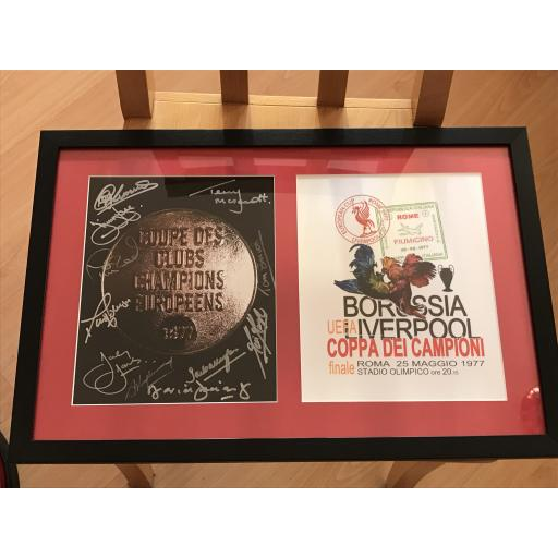 FRAMED & MOUNTED MULTI SIGNED LIVERPOOL FC 1977 EUROPEAN CUP WINNERS MEDAL 10x8 PHOTO